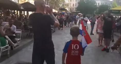 Une famille croate se fait acclamer dans les rues de Bruxelles